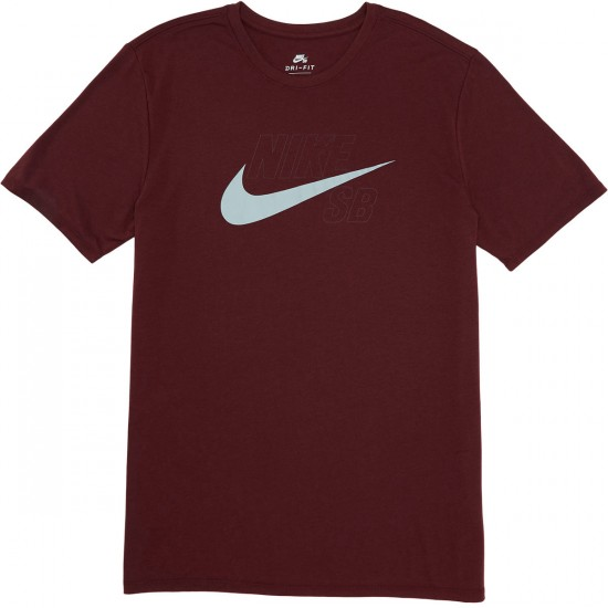 Nike sb dri fit swoosh logo t shirt dark team red wolf grey for Nike swoosh logo t shirt