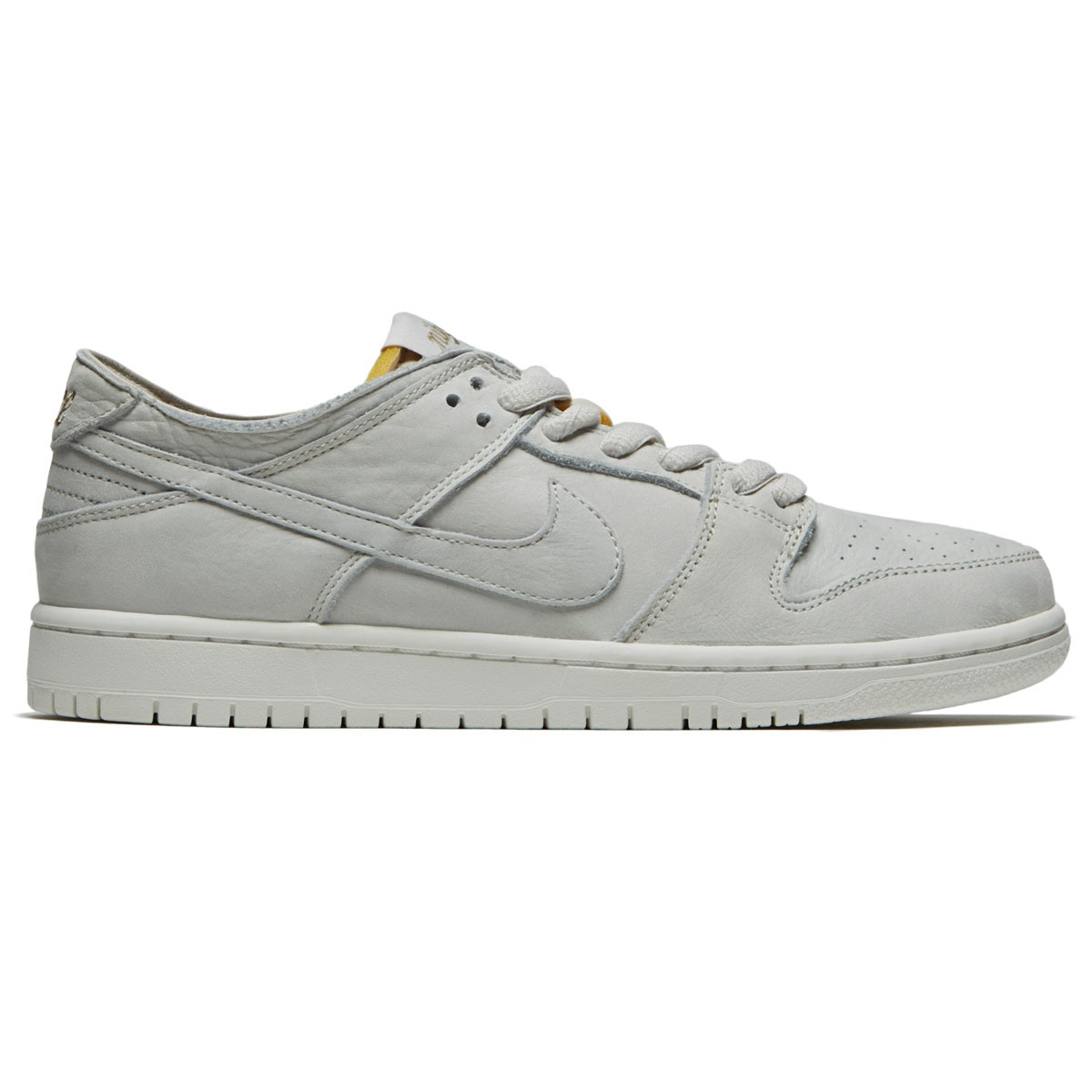 the latest 233ff c7a19 Nike SB Zoom Dunk Low Pro Deconstruct Shoes