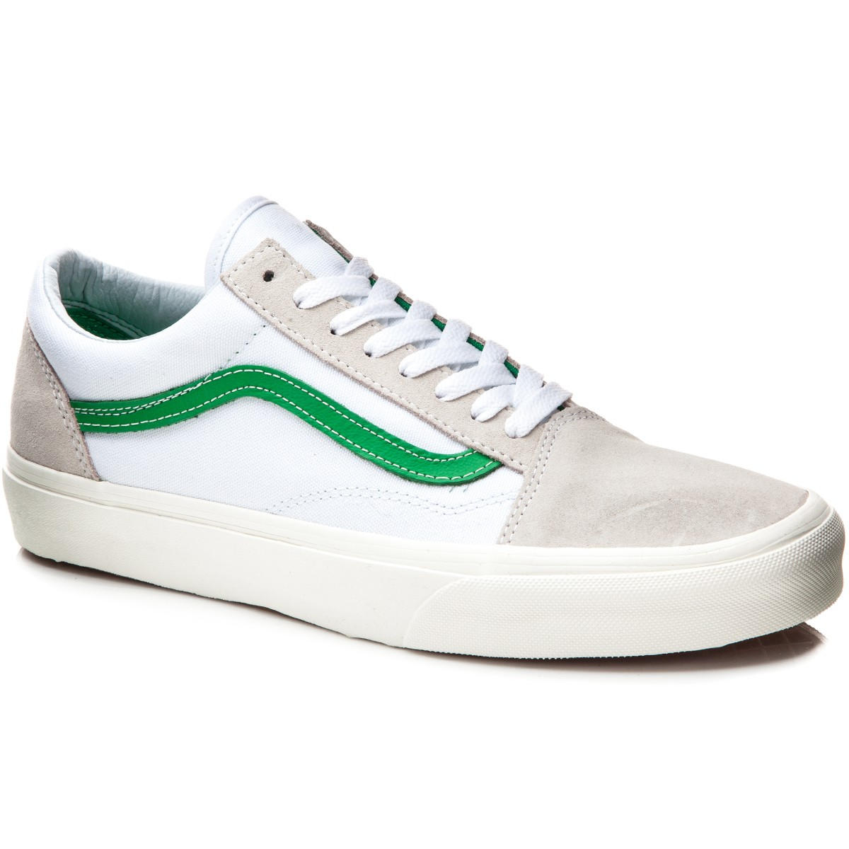 21556b32d8a6 Vans Old Skool Shoes