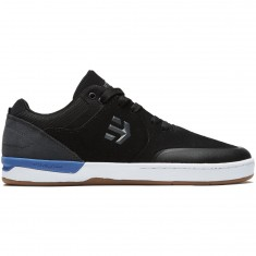 'Etnies Marana XT Shoes - Black/Dark Grey/Royal' from the web at 'https://cdn.ccs.com/media/catalog/product/cache/4/small_image/235x/9df78eab33525d08d6e5fb8d27136e95/8/8/889262450583-1.1509719226.jpg'